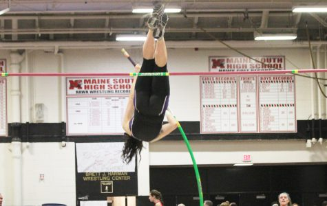 Reid wins indoor conference pole vault, finishes 7th at indoor state, sets new school record