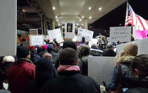 """Thousands chant """"No ban, No wall"""" at airports this weekend"""