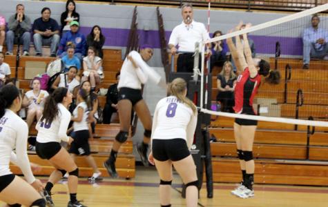 Girls volleyball easily dispatches Deerfield, 25-17