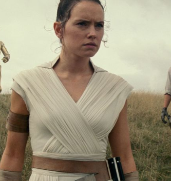 Rey is a prime example of an overpowered female character that caters to the female audience with no real character growth.
