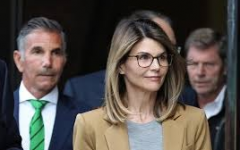 Lori Loughlin Selling House During College Admission Scandal